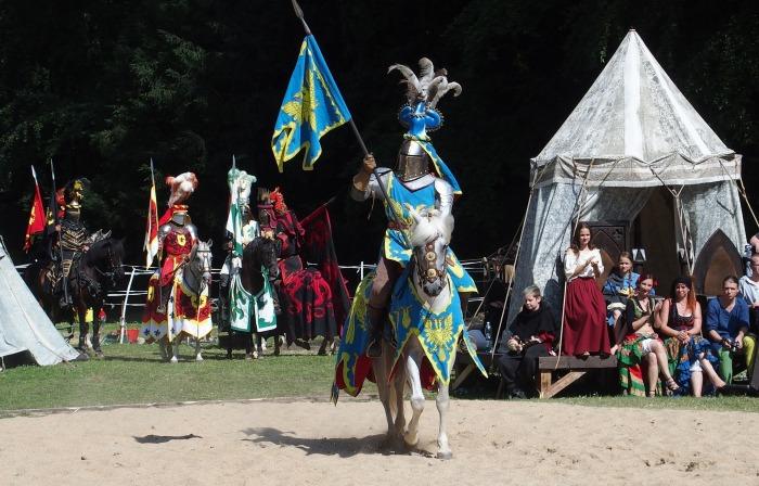 knight-1506878_1920