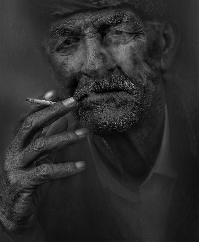 smoker-798992_1920
