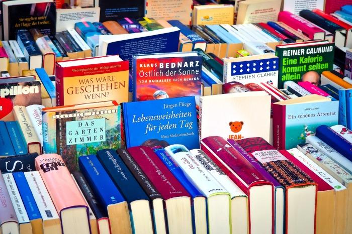 books-2840585_1920