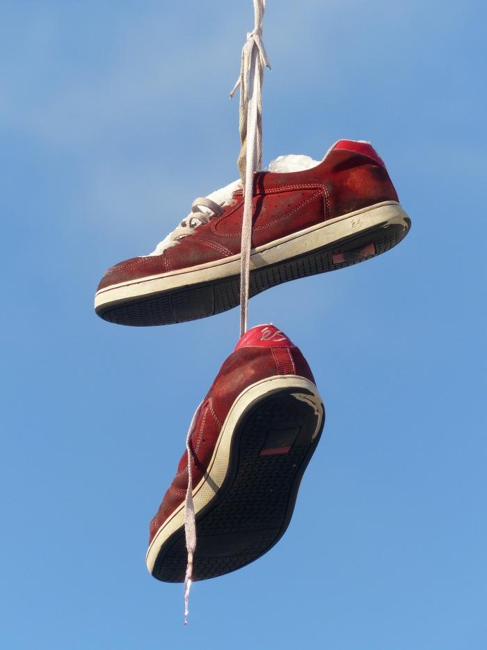 shoes-93756_1920