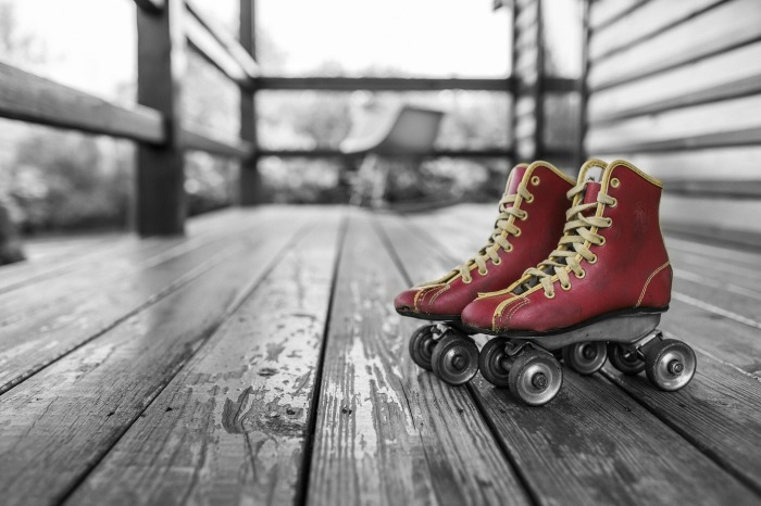 roller-skates-381216_1920